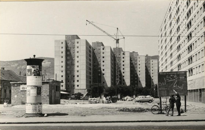 Óbuda központja 1969-70 körül, A Flórián-téri bevásárlóközpont megépülte előtt Forrás: Kiscelli Múzeum fényképgyűjteménye
