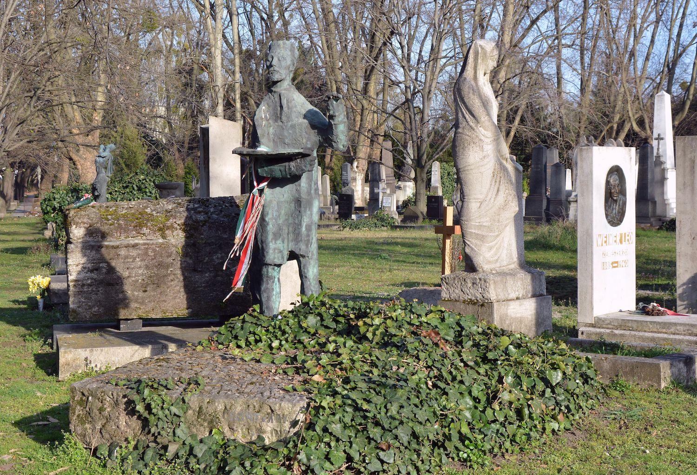 Csontváry Kosztka Tivadar síremléke a Kerepesi úti temetőben, Kerényi Jenő alkotása