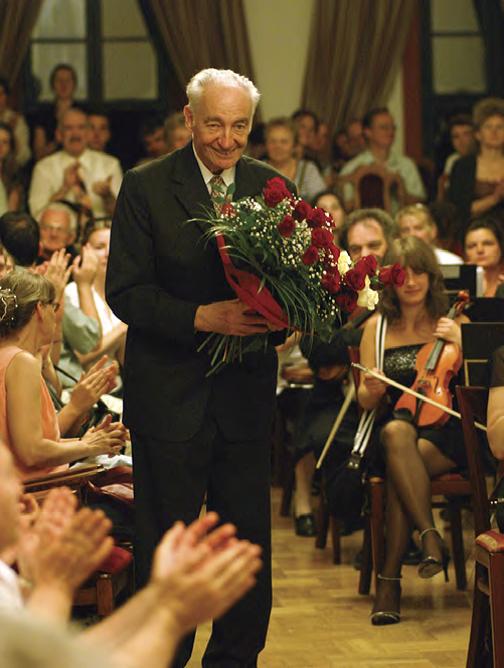 Köszöntés a 75. születésnapon az Óbudai Társaskörben